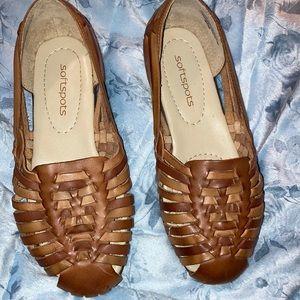 Softspots light brown leather huaraches sz 6 1/2WW